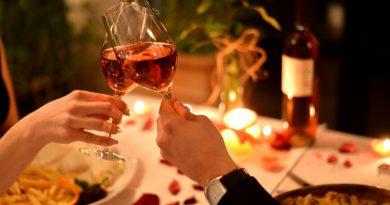 Iata cum poate o cina romantica sa creasca apropierea in cuplu